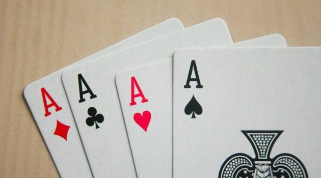 เกมคาสิโนดีลเลอร์สด- รู้กลยุทธ์เพื่อการชนะ